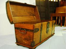 renowacja antyków - kufer